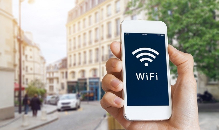 Mobile phone with Wi-Fi signal