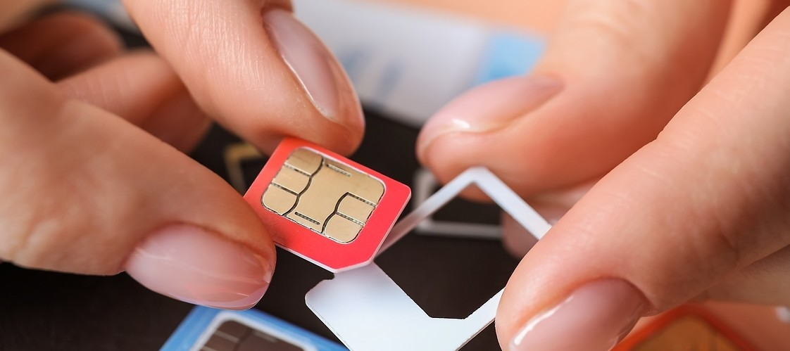 Changing SIM card